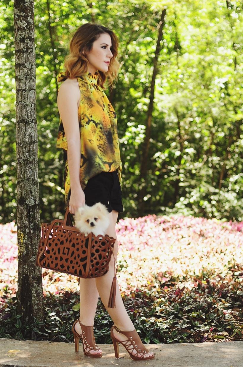 Camila Nardi - Fotos com Cachorros (16)