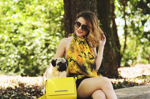 Camila Nardi - Fotos com Cachorros (27)