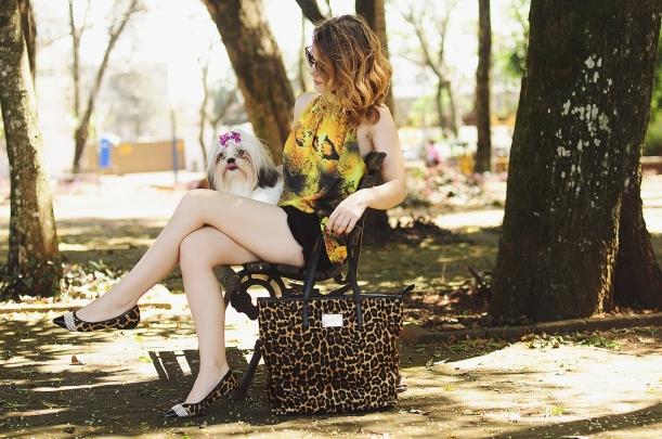 Camila Nardi - Fotos com Cachorros (32)